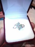 Smaragd köves ezüst gyűrű,ródiumozott