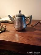 Antik kávéfőző vagy tejkiöntő