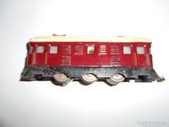 "Régi mozdony modell ""Vörös szikra"""