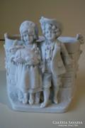 Antik porcelán gyerekek nyúllal