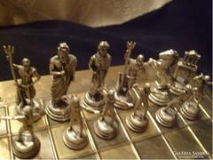 Ezüstözött sakk mitológiai alakokat formázó bábúkkal U11