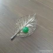 Régi filigrán kézműves ezüst bross zöld kővel