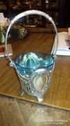Ezüst kosaras kínáló színes üveggel