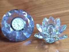 Kristály óra és lótuszvirág