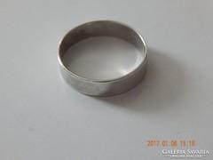 Használt ezüst  karikagyűrű 60-as méret