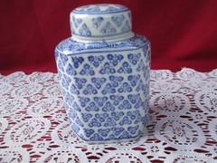 Porcelán fedeles fűszertartó 12 cm  0906