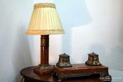 Márvány és aranyozott bronz íróasztali készlet