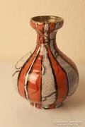 Gorka váza, narancssárga csíkokkal