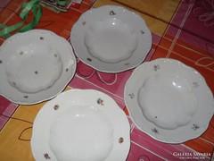 Eladó a képeken látható Zsolnay tányérok 2db mély 2 db lapo