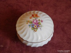 Német porcelán bonbonier