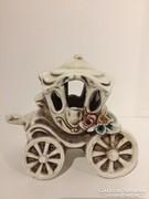 Capodimonte stilusu mesebeli tökhintó miniatűr.