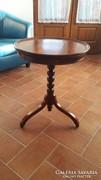 Dió kisasztal