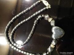 Hematit nyakék szívvel, strasszokkal, 45 cm hosszú