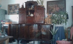 Régi bútor, komód, bécsi barokk felső résszel eladó
