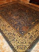 Eladó gyönyörű állatmintás perzsa szőnyeg 250x300-cm