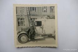 SS katona álcázott festésű Phänomen Granit 25H Kfz.31 járműn