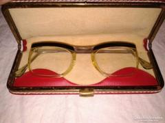 Antik szemüveg vörös tokban kb 50-es évek