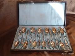 12 darabos ezüs kávéskanál készlet saját dobozában.