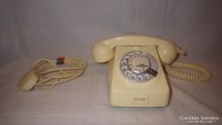 Retro tárcsás telefon törtfehér szép állapot
