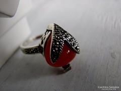 925  gyűrű  Vörös Achát kövel és markazittal