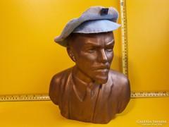 Nagy méretű Lenin kerámia szobor