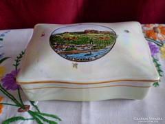 Antik irizáló festésű porcelán doboz tájképpel