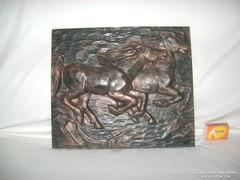 Lovas falikép fémből - domború mintás