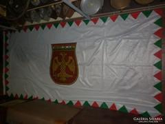 Nagyméretű zászló magyar hadsereg logisztika