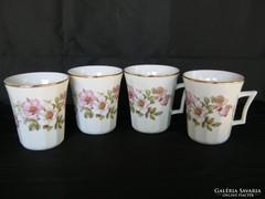 4 db rózsás porcelán bögre csésze