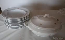 Antik Zsolnay étkészletből  tányérok, és leveses tál