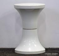 0L389 Retro design fehér műanyag szék pille szék