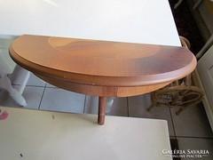 Konzol asztal