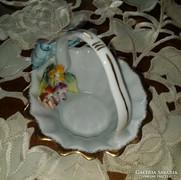 Meseszép porcelán kosárka