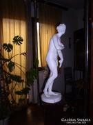 Aphrodité szobor, 83 cm magas, festett gipsz, sérült.
