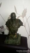 Strob bronz szobor
