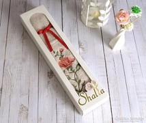 Díszdobozos, hímzett rózsás törölköző 40x70 cm