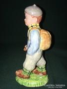 Izsépy kerámia túrista fiú figura 16 cm