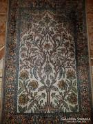 Selyem kézi csomózású perzsa szőnyeg