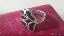 Ezüst gyűrű fekete onix betétekkel 925.