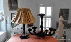 Antik fa csillár és nagyobb méretü asztali lámpa