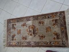 Szőnyeg , keleti gyapjú, kézicsomózású 122x62 cm
