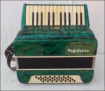 Lignatone Rigolettó harmonika  dobozában nagyon szép állapot