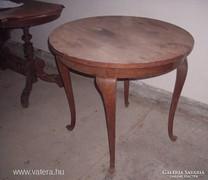 Neobarokk szalon asztal