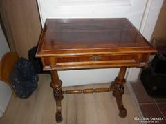 Antik intarziás varró asztal