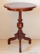 Kerek tetejű asztalka [G15]