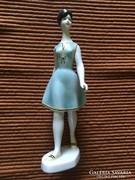 Hollóházi, kézzel festett porcelán figura