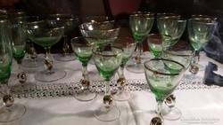 22db szines talpas pohár együtt