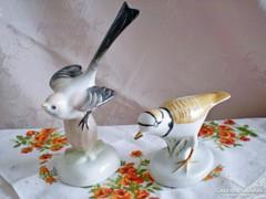 Aquincumi tobozon ülő porcelán madár + egy ajándék madár