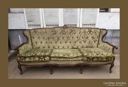 Chippendale kanapé,faragásokkal díszítve,garnitúra része