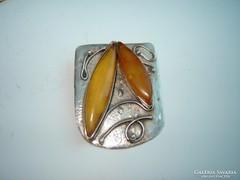 Kézműves borostyán köves ezüst medál